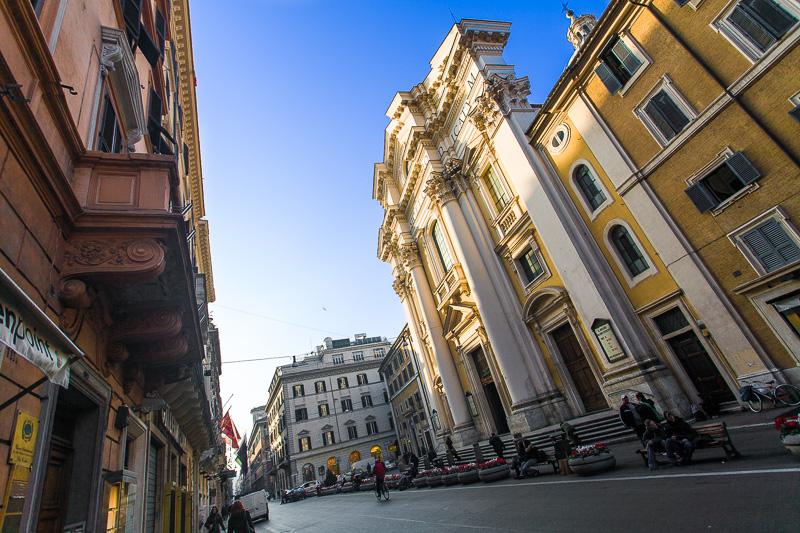 La basilica dei Santi Ambrogio e Carlo al Corso