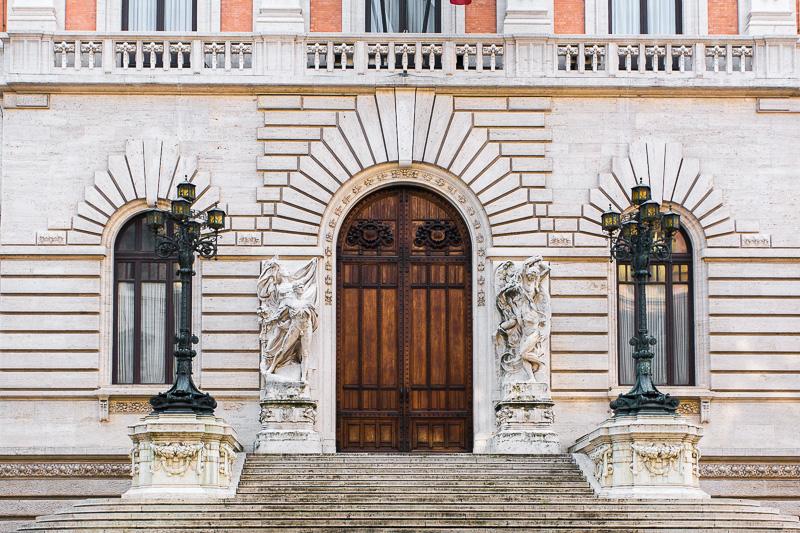 Ingresso di palazzo di Montecitorio