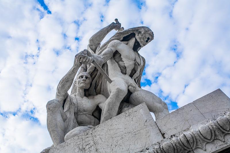 """La scultura """"Il Diritto"""" al Vittoriano"""