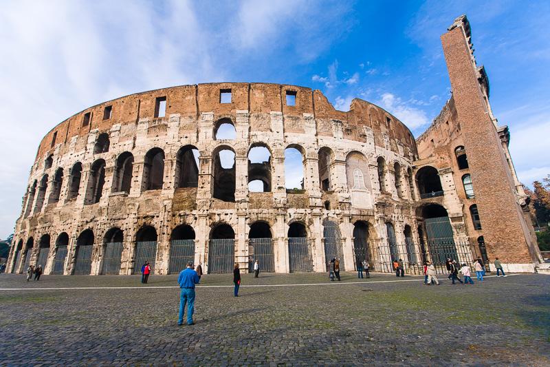 La cinta muraria del Colosseo