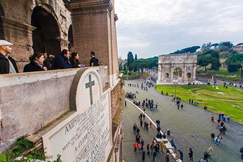L'iscrizione di papa Pio IX al Colosseo