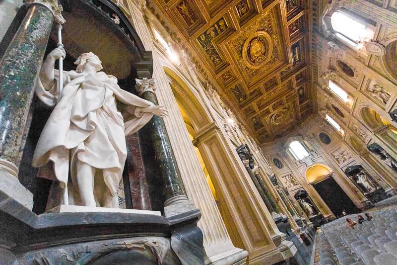 Statua in marmo di San Giacomo Maggiore