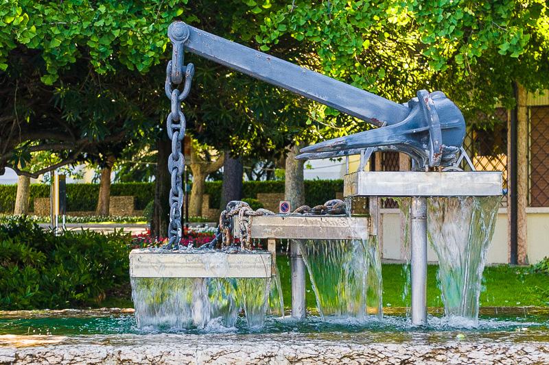 La fontana e monumento ai caduti del mare