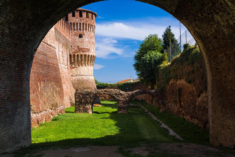 Il fossato della Rocca Sforzesca