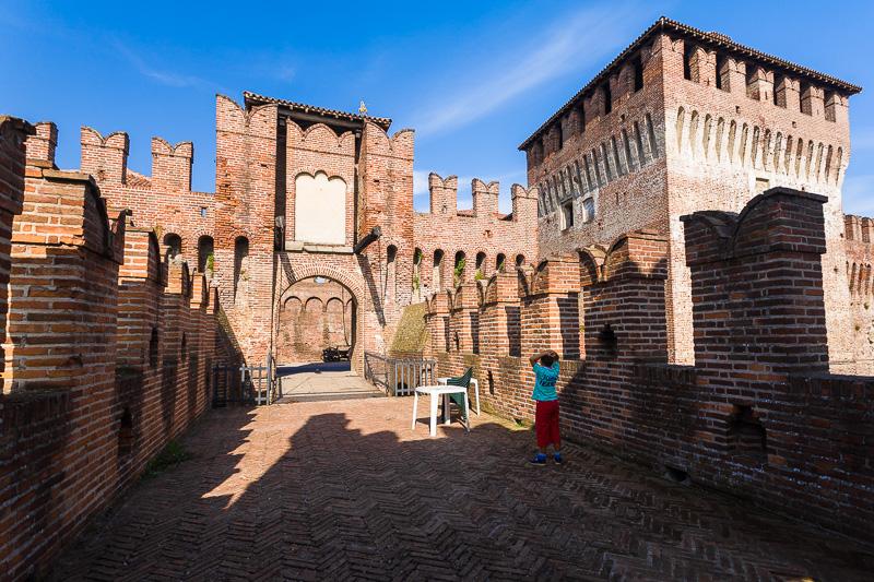 Il ponte d'ingresso del Castello