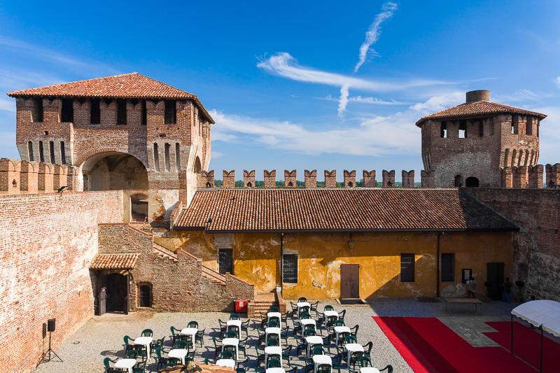 Il cortile interno della Rocca Sforzesca