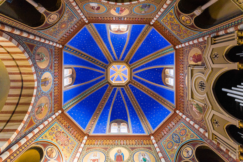 La volta stellata della cupola della pieve di Santa Maria