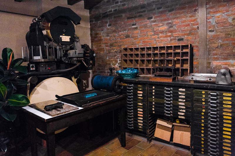Un'antica macchina tipografica
