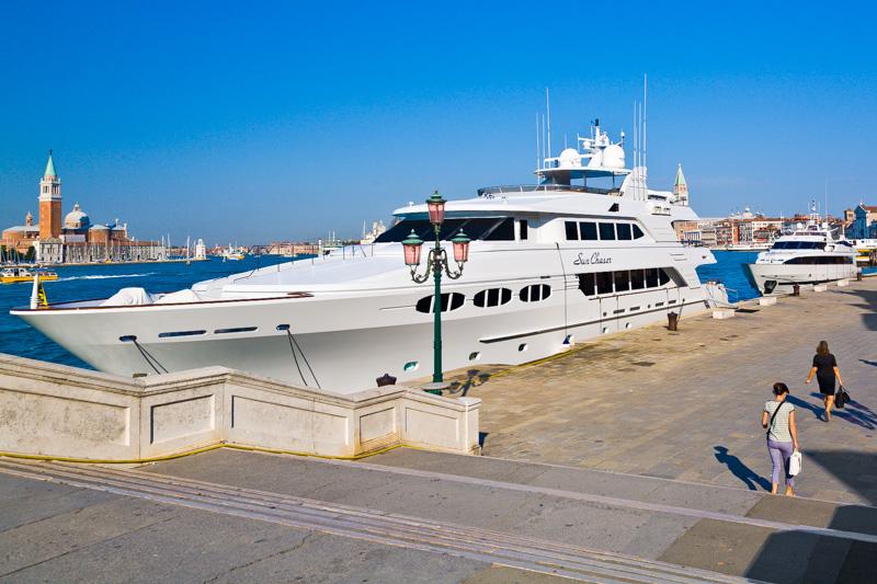 Yacht Sun Chaser