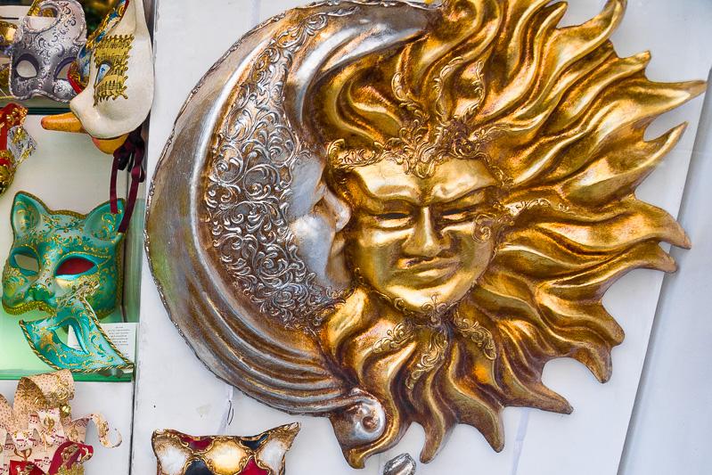 Maschera del sole e la luna