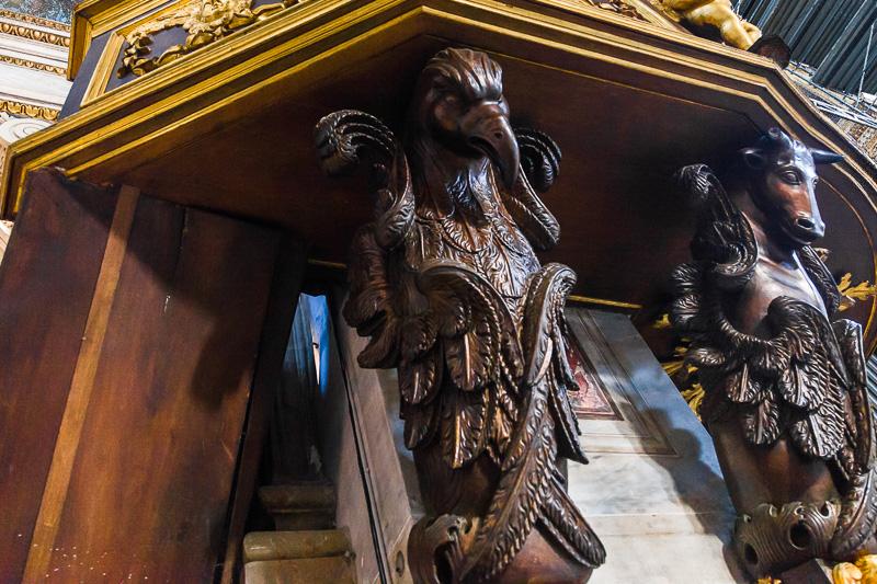 Le due figure allegoriche dell'aquila